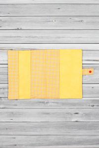 protège carnet de santé Monster jaune (3)